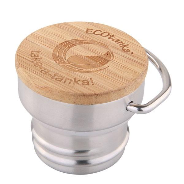 Hochwertiger Edelstahldeckel mit Bambus Einlage. Leicht und langlebig. A bottle for life.